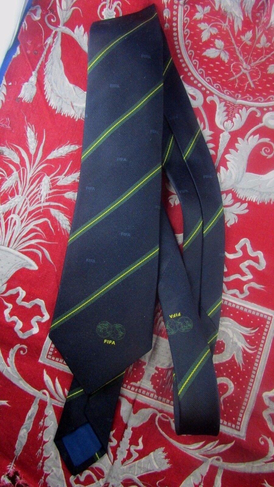 ancienne veritable cravate fifa gessner suisse annee annee annee 70 football foot 3cebea