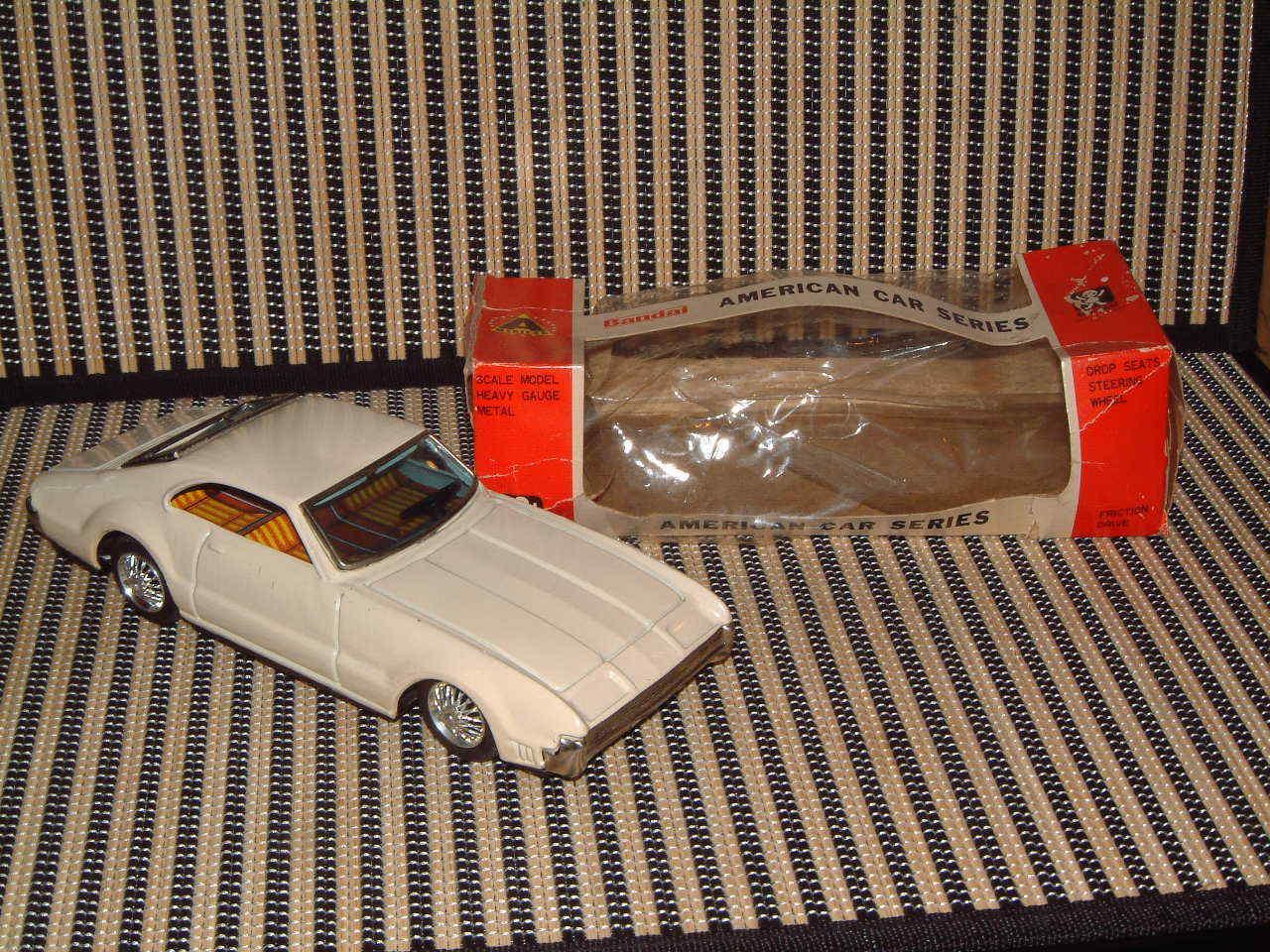 BANDAI FRICTION DRIVE TIN OLDS'  TORONADO  AMERICAN CAR SERIES  W/BOX. WORKING