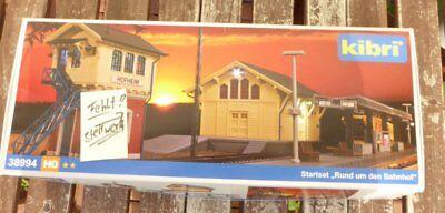 Kibri 39557 H0 moderner Bahnsteig mit LED Beleuchtung