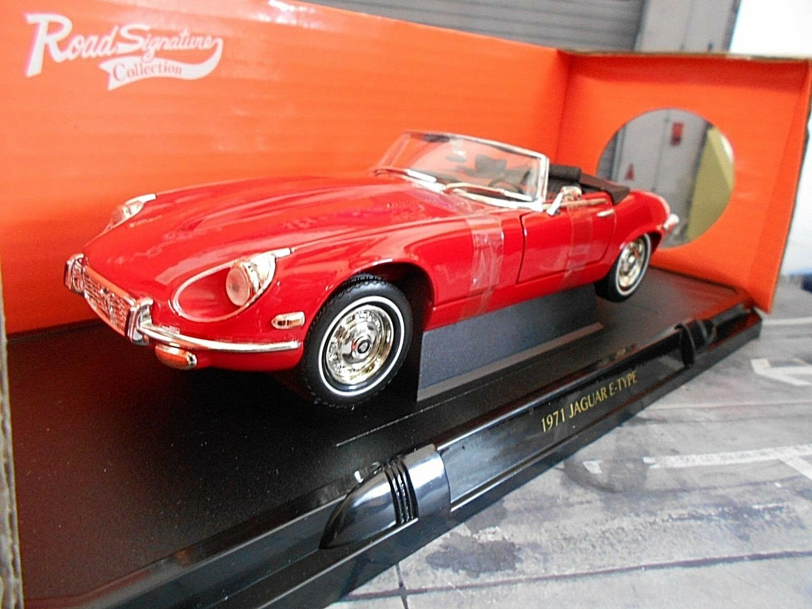 JAGUAR E-Type Roadster Series I 1 V12 red red 1971 Cabrio Cabriolet Yaming 1 18