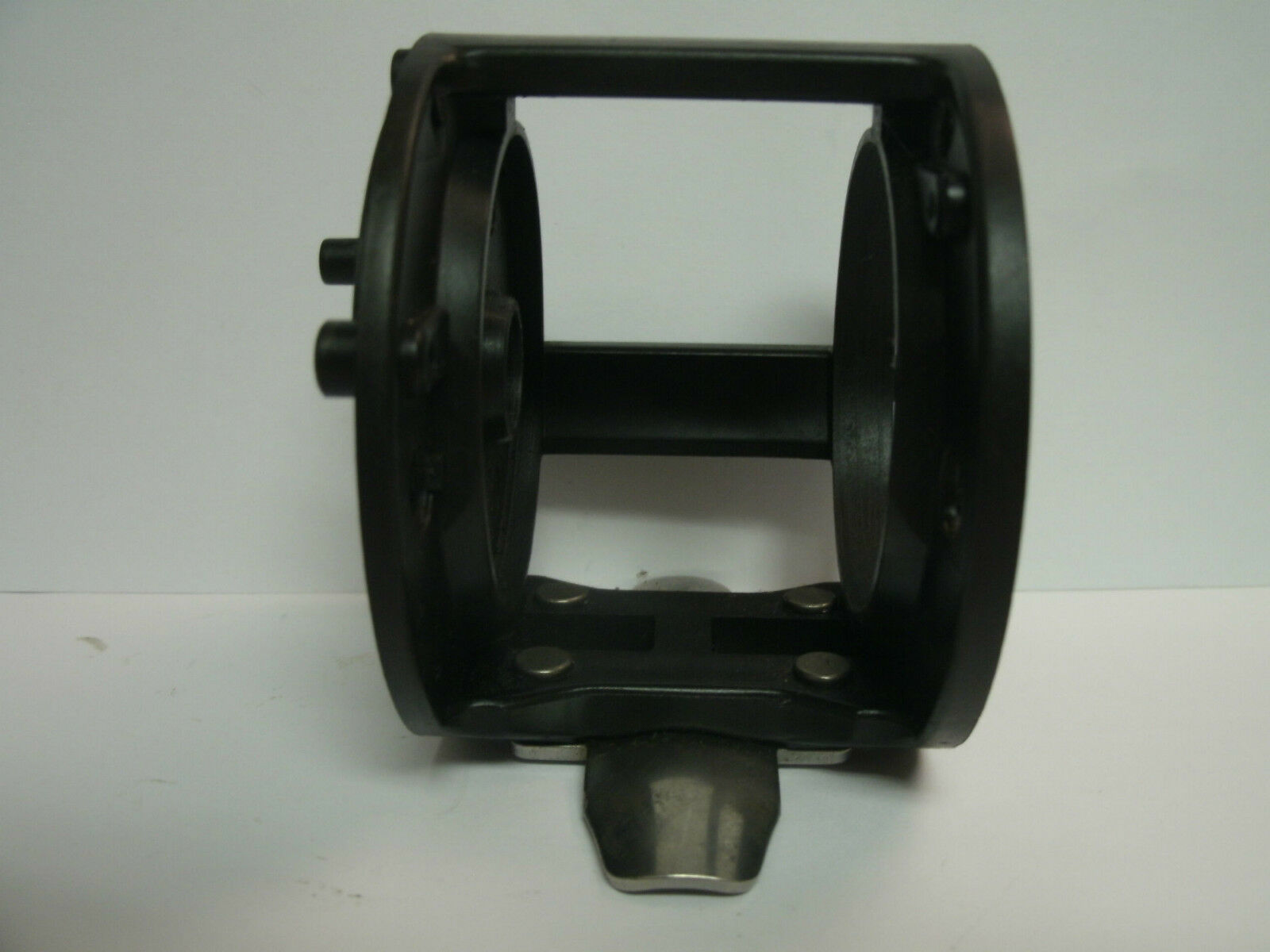 USED SHIMANO BAITCASTING REEL PART - TR 100 - Frame - Lot A