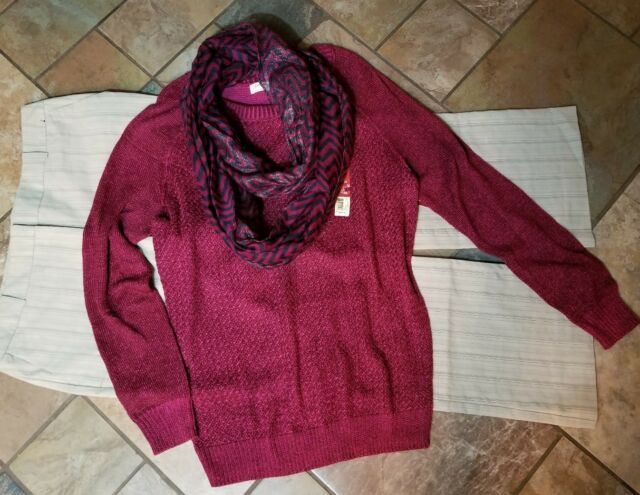 women's clothing lot outfit sz 12 14p pants, 12/14 sweater, necklace