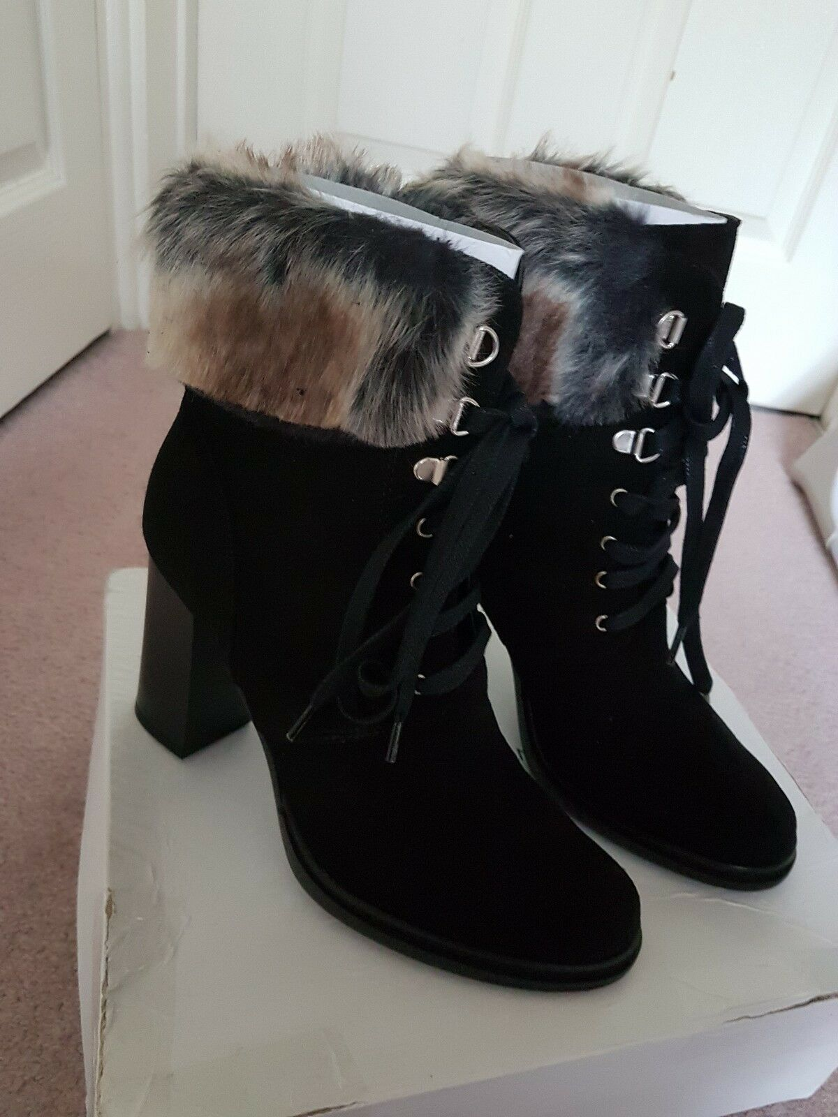 Karen Millen Beautiful Fur botas Talla 39  UK Talla 6