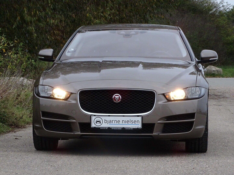 Jaguar XE 2,0 P200 Pure aut. - billede 1