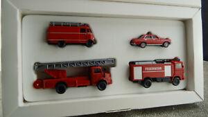 Wiking-099088-MB-im-Einsatz-Feuerwehr-H0-1-87-DK-13-Neuwertig-in-OVP