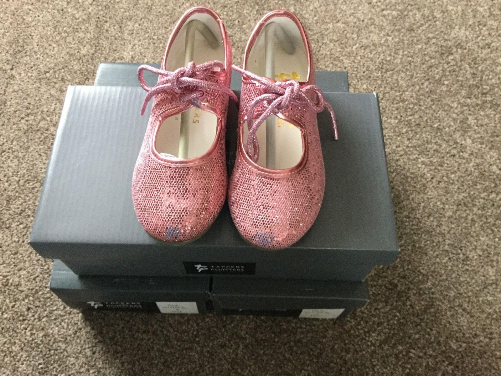 Pink Hologram Tap Shoes Tappers & Pointers BNIB Childs Size 13
