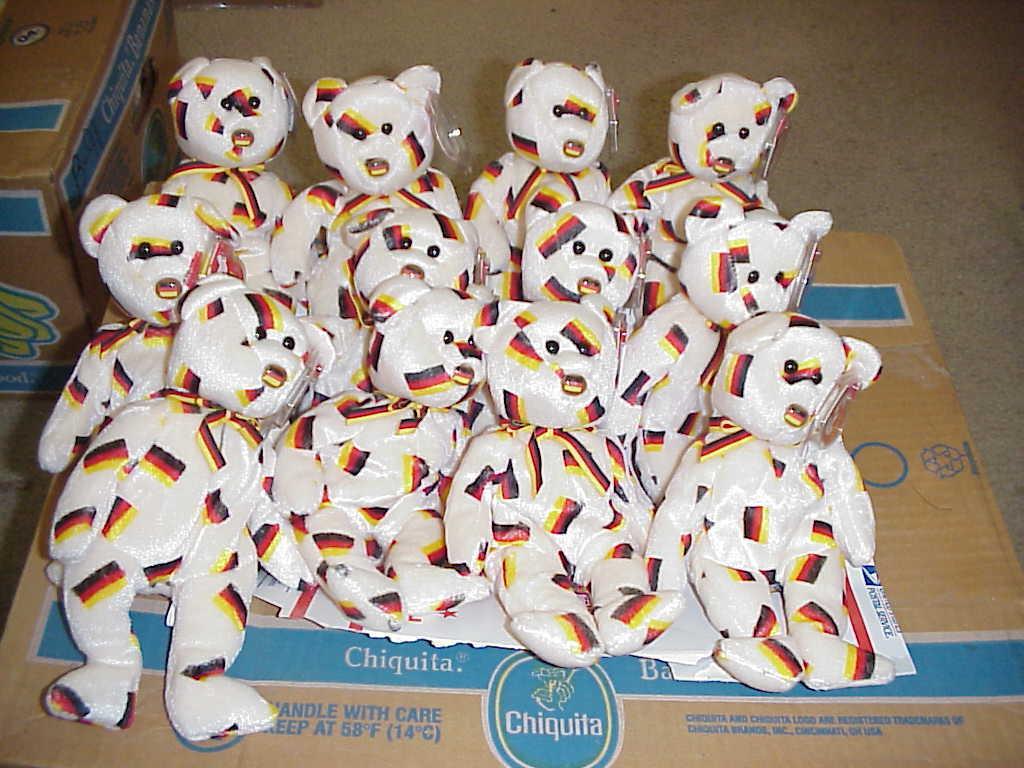 (1) dutzend) ty deutschland bären   zum 9. mai 2003   ohne deutsche flagge.