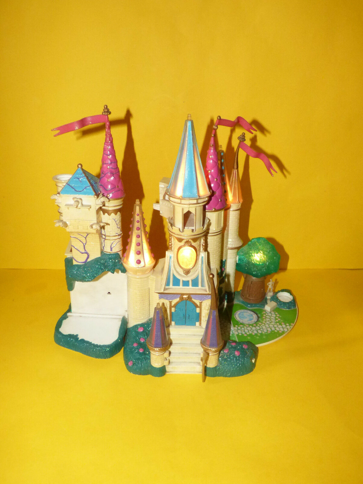 1998 Trendmasters Castle House Figures Beauty and the Beast Polly Pocket Style