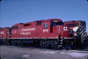 CANADIAN-PACIFIC-RAILROAD-GP38-2-3045-KODACHROME-ORIGINAL-SLIDE
