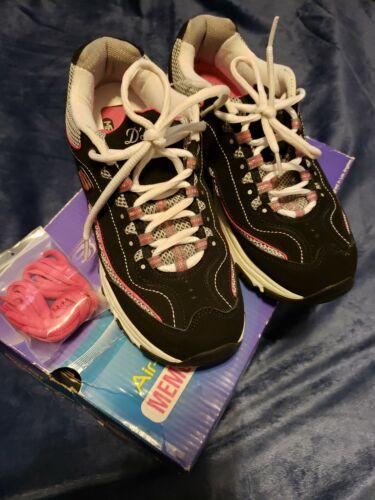Women 8 Skechers D'Lites Shoe