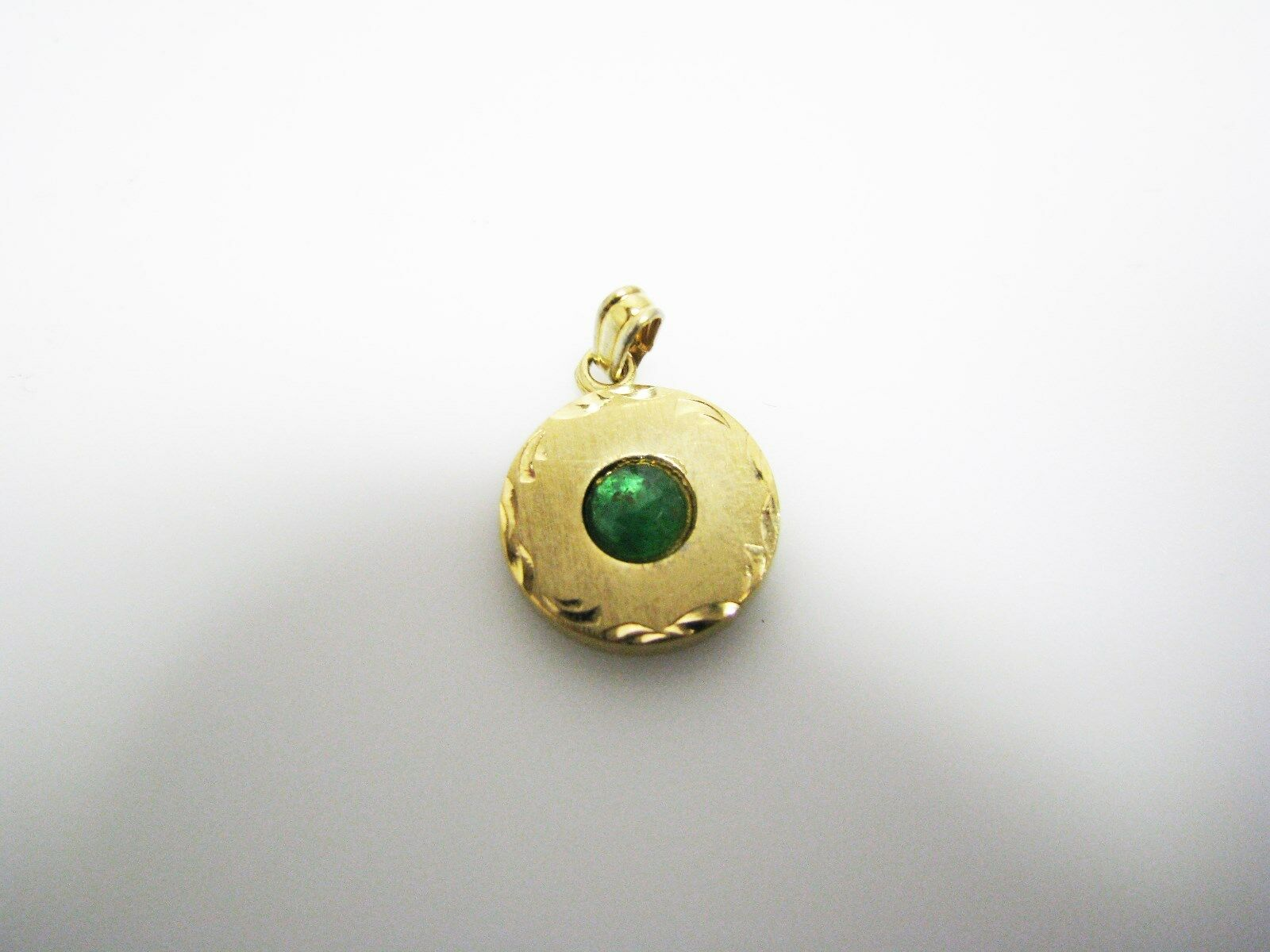 C835 Vintage LaMode Pendant   Charm with Green Stone in 12k gold Filled