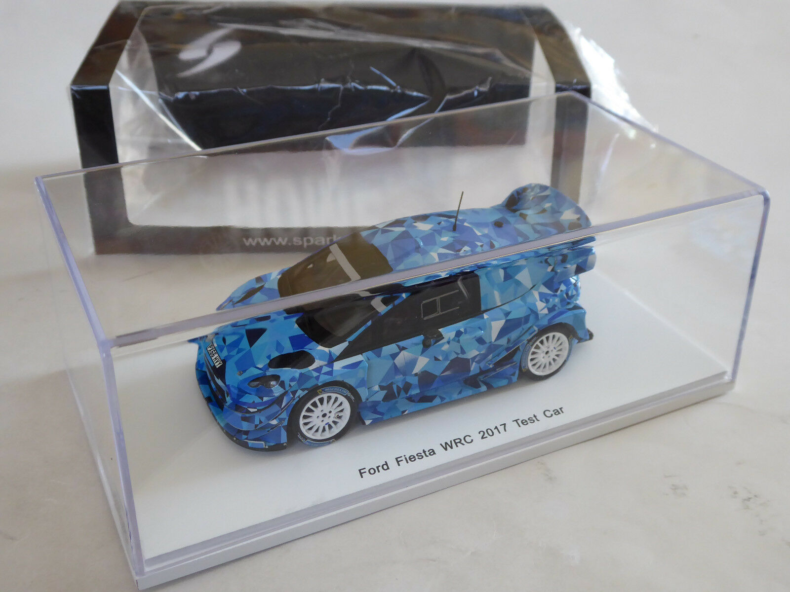 SPARK 1  43 FORD FIESTA WRC RALLYE test voiture 2017 M-SPORT Ogier Tänak neuf dans sa boîte s5157  grande remise