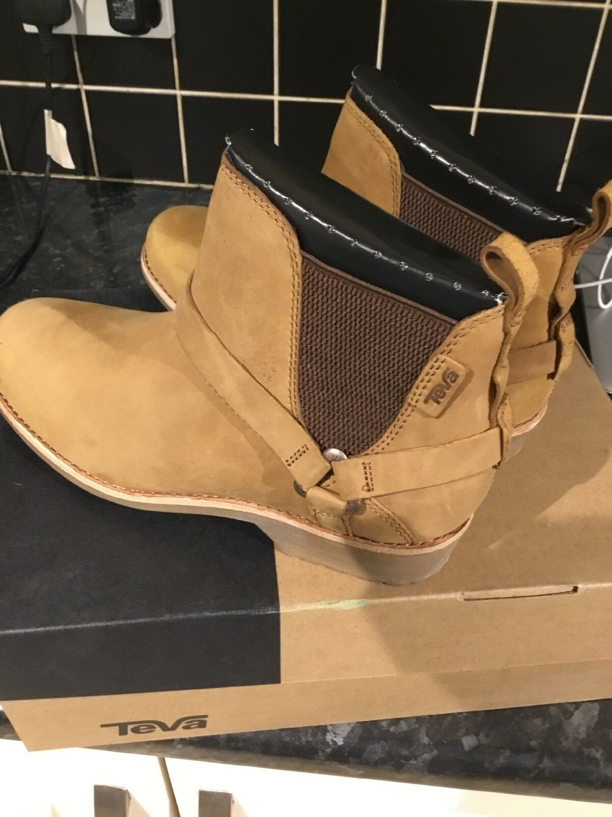 Teva De La Vina Dos Chelsea Boot In Pecan Size 7 Eu 40