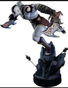 Statue Kratos Lungung Saut
