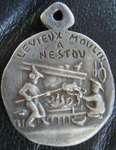 DEC3058-MEDAILLE-DE-GRAND-CHEVALIER-DU-VIEUX-MOULIN-A-NESTOU-DE-CAGNES-sur-mer