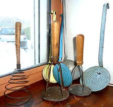 Lot ustensile d'ancienne cuisine louche émaillé  déco vintage années 1960