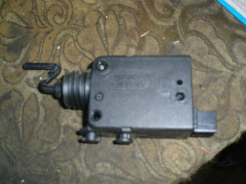 MORE PARTS LISTED 1999 SAAB 9-5 AERO FUEL FLAP RELEASE SOLENOID