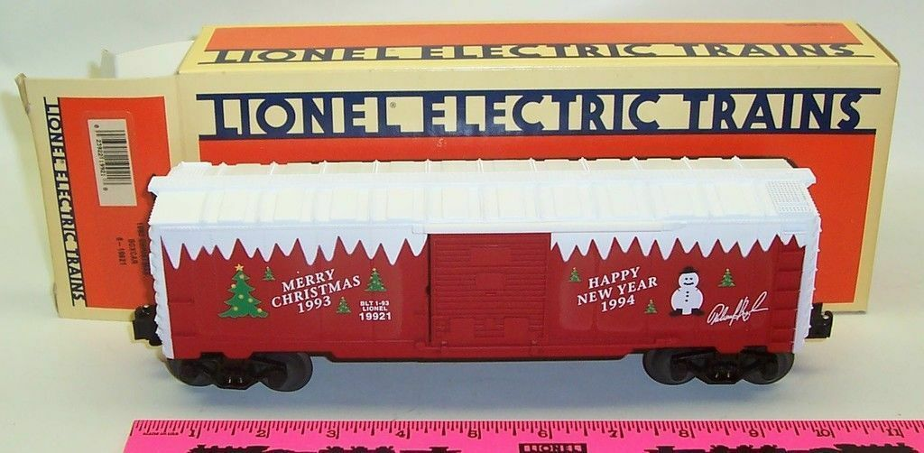 New Lionel 6-19921  1993  Christmas boxcar