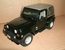 1/18 Scale Jeep Wrangler Sahara 4x4 Diecast Model Vehicle - Maisto 31662 31662k