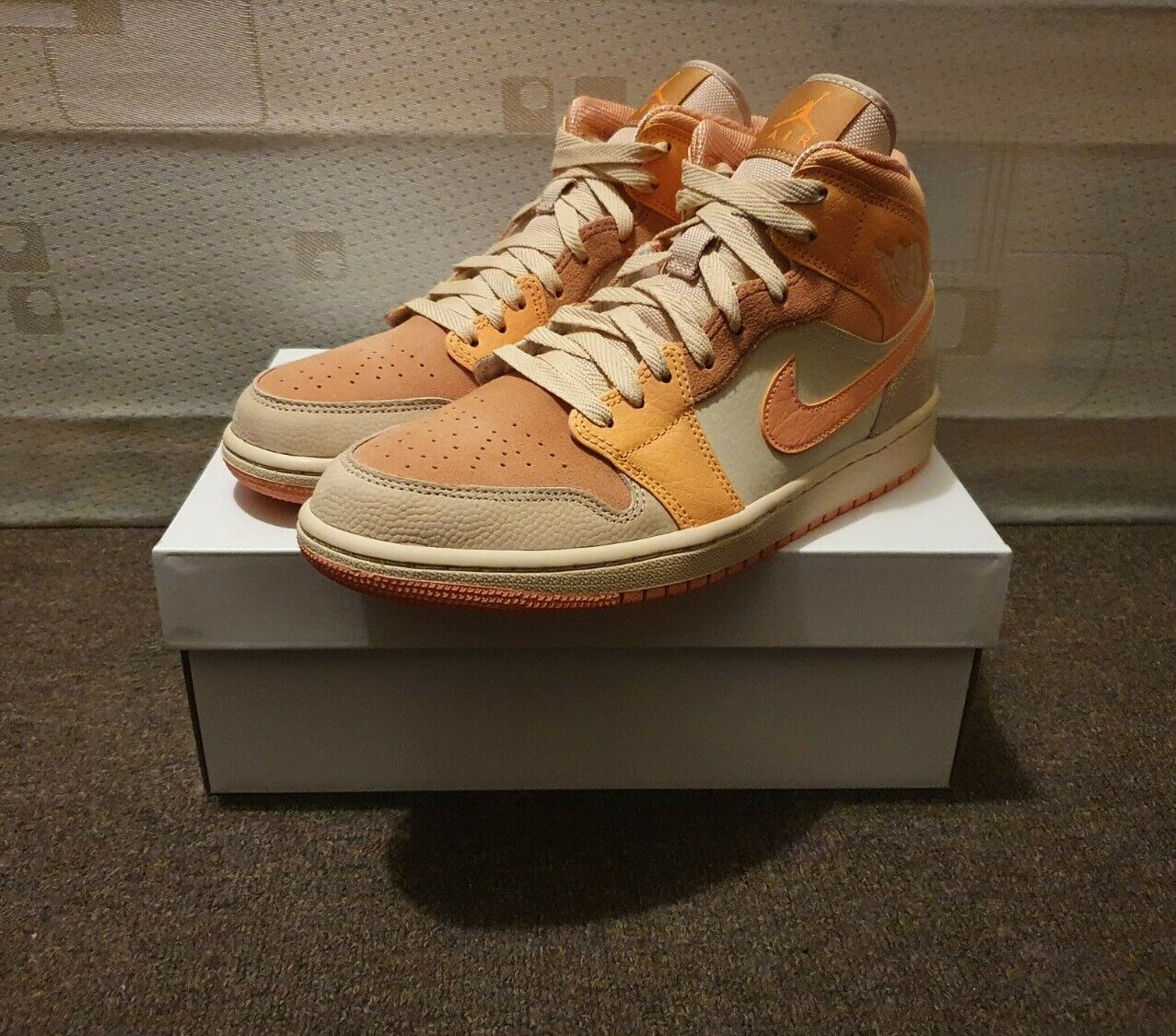 Nike Air Jordan 1 Mid Apricot/Atomic Orange UK 5.5/ US 8 (w) *In Hand* ✅