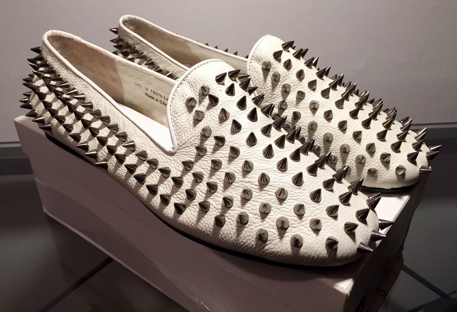 UNIF Hellraiser Spiked Scarpe/Loafers - White - WMS US 9 *RARE* *NEW IN BOX*