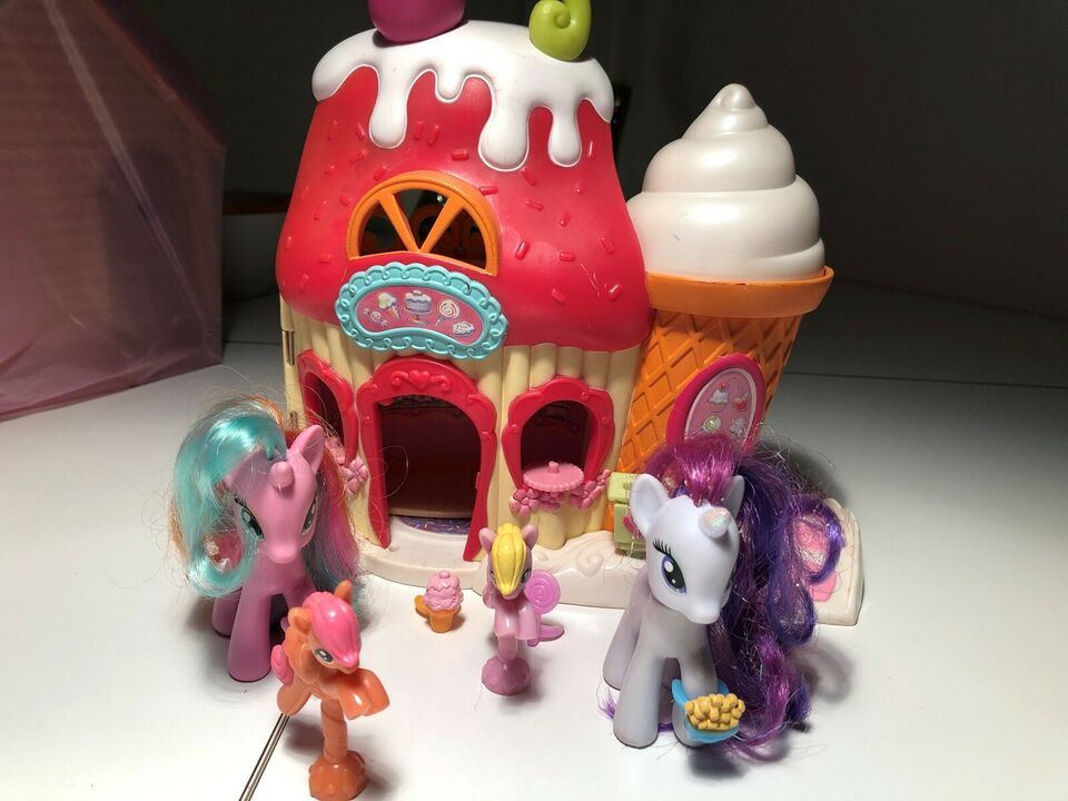 My Little Pony, Lille slot, My Little pony