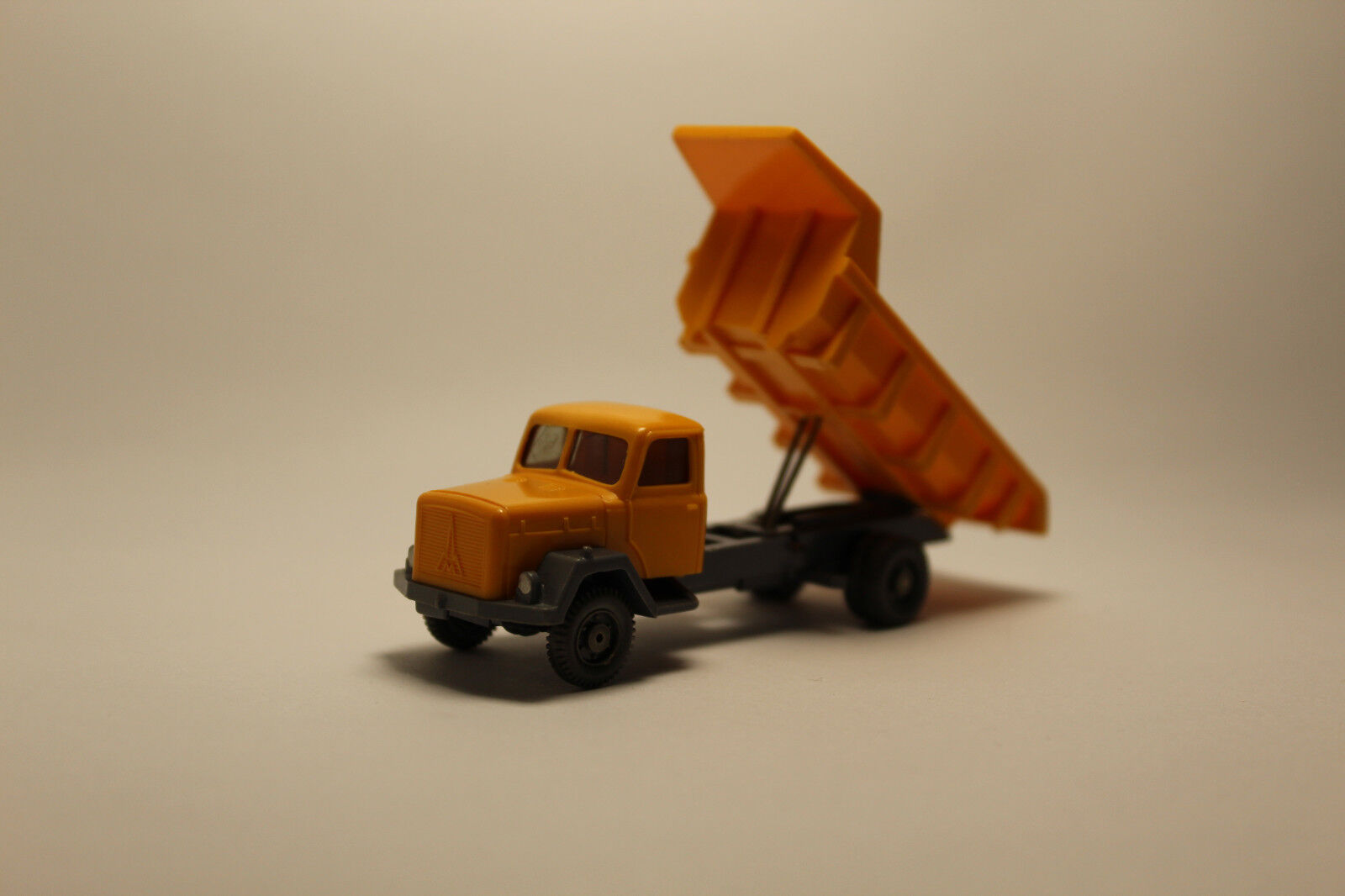 A.s.s Wiking edad camiones Saturn camiones camiones camiones de volteo 2-achsig GK 670 4b CS 1110 3b 1.w Top d33c87