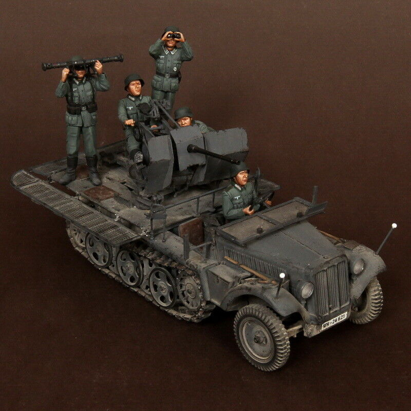 SOGA 1 35 SdKfz.10 4 fur 2cm FlaK 30 Crew for Dragon kit (5 figures)