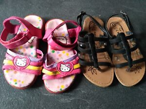 61191adc2597a 2 Paires de chaussure ENFANT Hello Kitty Rose   Pointure 28 ...