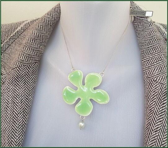 NEW PILGRIM SILVER PLATED NECKLACE GREEN ENAMEL BIG FLOWER Pendant & PEARLS