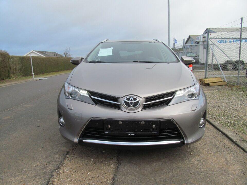 Toyota Auris 2,0 D-4D T2 Premium Comfort TS Diesel modelår