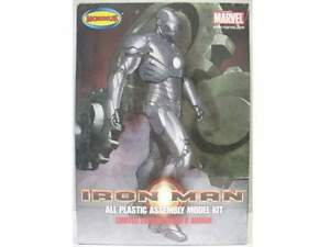 2008 discontinued Moebius 1/8 910 Iron Man mark II Chrome Metal Finish new inthe