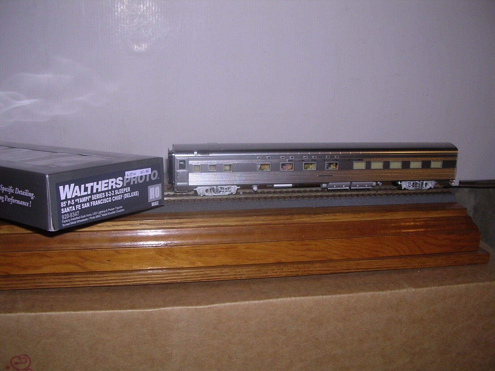 WALTHERS/Proto  920-9347  Santa Fe P.S.Streamlined 85' 8-8-2 Sleeper H.O. 1/87