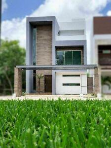 Residencia con alberca privada, vista a areas verdes, casa club con canchas