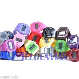 Reloj-retro-vintage-unisex-digital-pulsera-varios-con-luz-colores-a-elegir