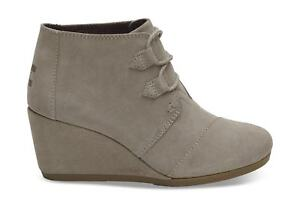 c2068e9890e6 Image is loading TOMS-Women-039-s-Desert-Taupe-Suede-Women-