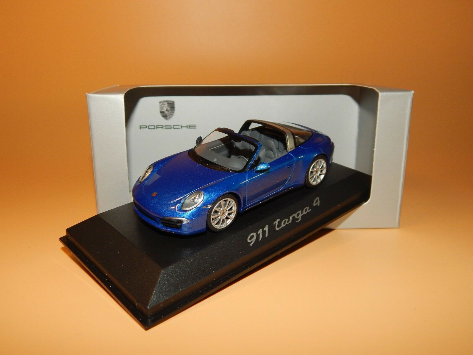 Porsche 911 Targa 4 (991) en blu met. Dealer-modelo de Minichamps 1 43 OVP