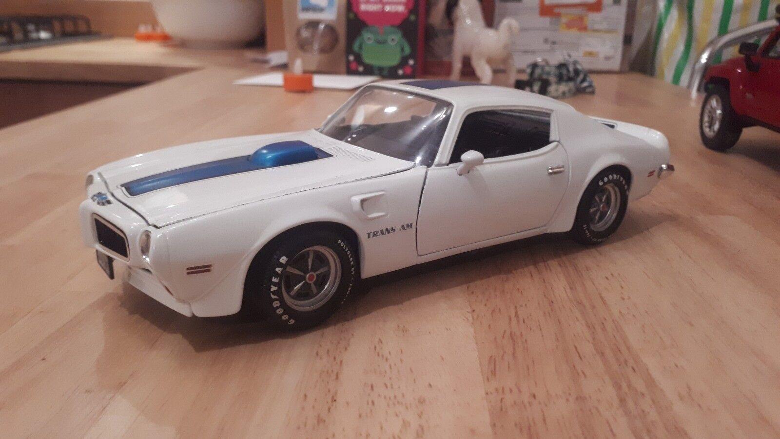 Ertl 1 18 1970 Pontiac Trans Am - bianca blu