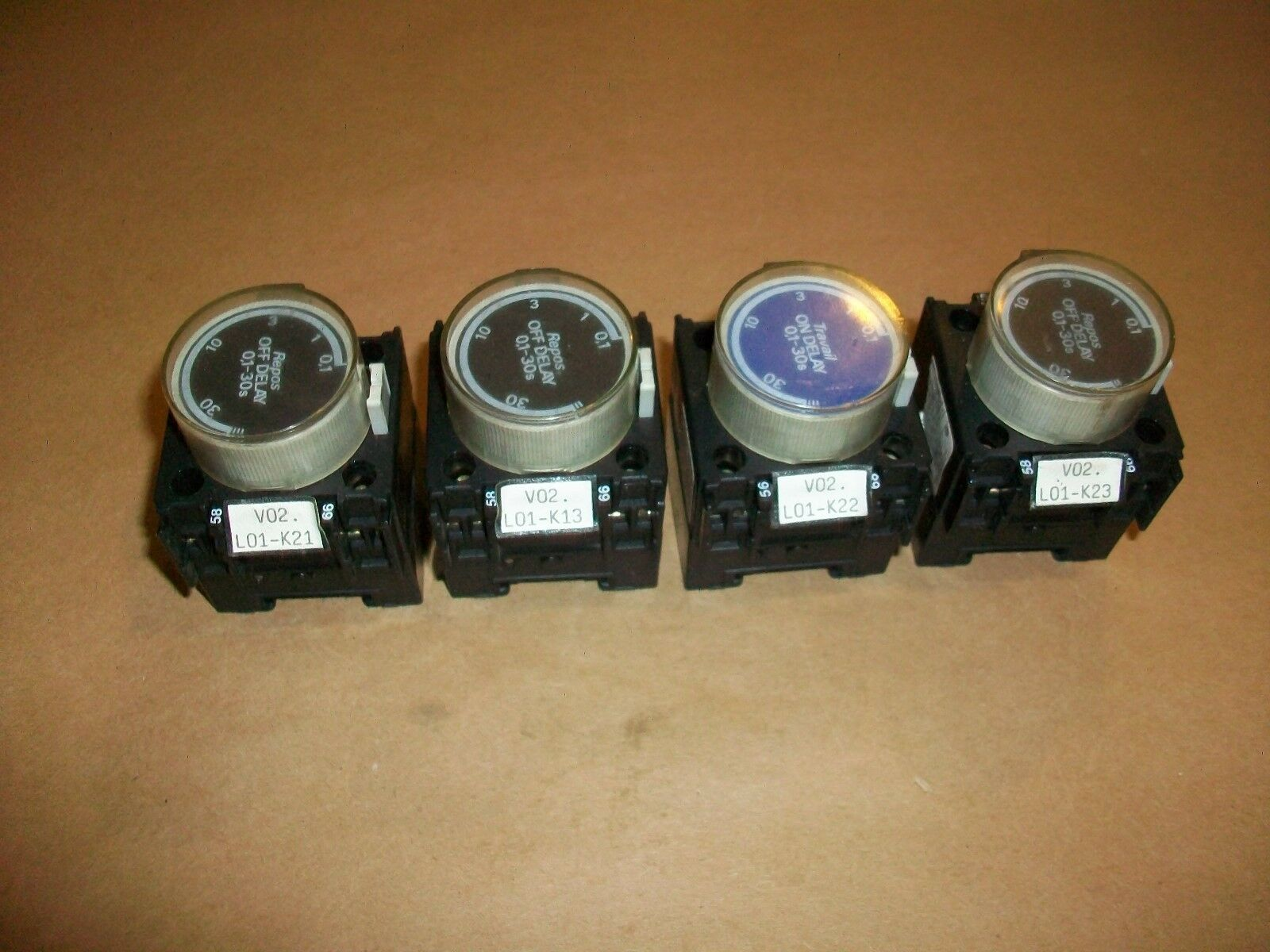 4pc Telemecanique Contactor Off Delay Timer LA3-D22    0.1 - 30 seconds