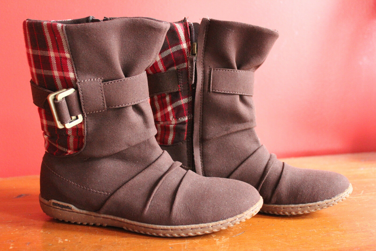 NEW  Patagonia Kula Buckle Performance Espresso Red Plaid Boots 6.5 37.5  140