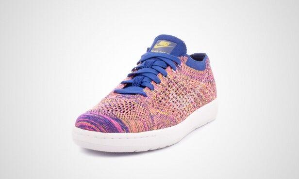 cf854c7131b Nike Tennis Classic Ultra Flyknit bluee Pink Womens sz sz sz 9 ...