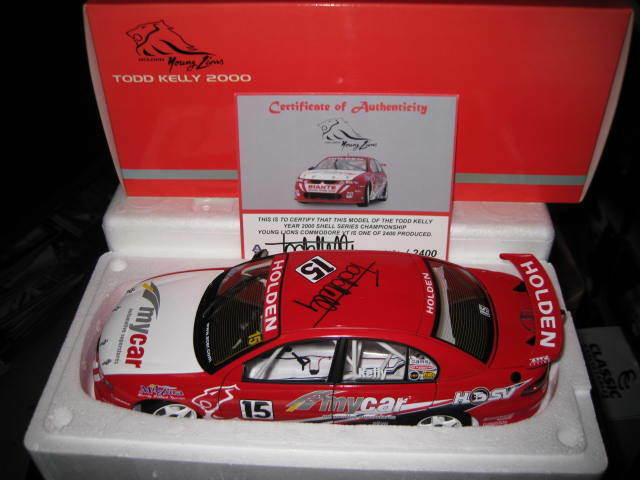 BIANTE 1.18 HOLDEN COMMODORE VT TODD KELLY  15 YOUNG LIONS 2000 HRT CAR SIGNED