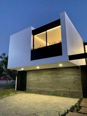 Residencia en coto Helechos Los Robles