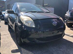2006-Toyota-Yaris-hatchback-Wrecking