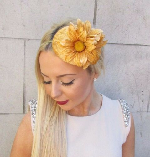 Gold Velvet Daisy Flower Fascinator Headband Hat Teardrop Races 1950s Vtg 2475