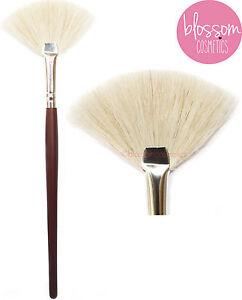 FAN-MAKEUP-BRUSH-Powder-Cheek-Blending-Highlighter-Bronzer-Sweep-Face-EXCELLENCE
