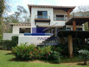 Ixtapa, Residencia sección Contramar, coto Amarara con vista al mar (R-305)