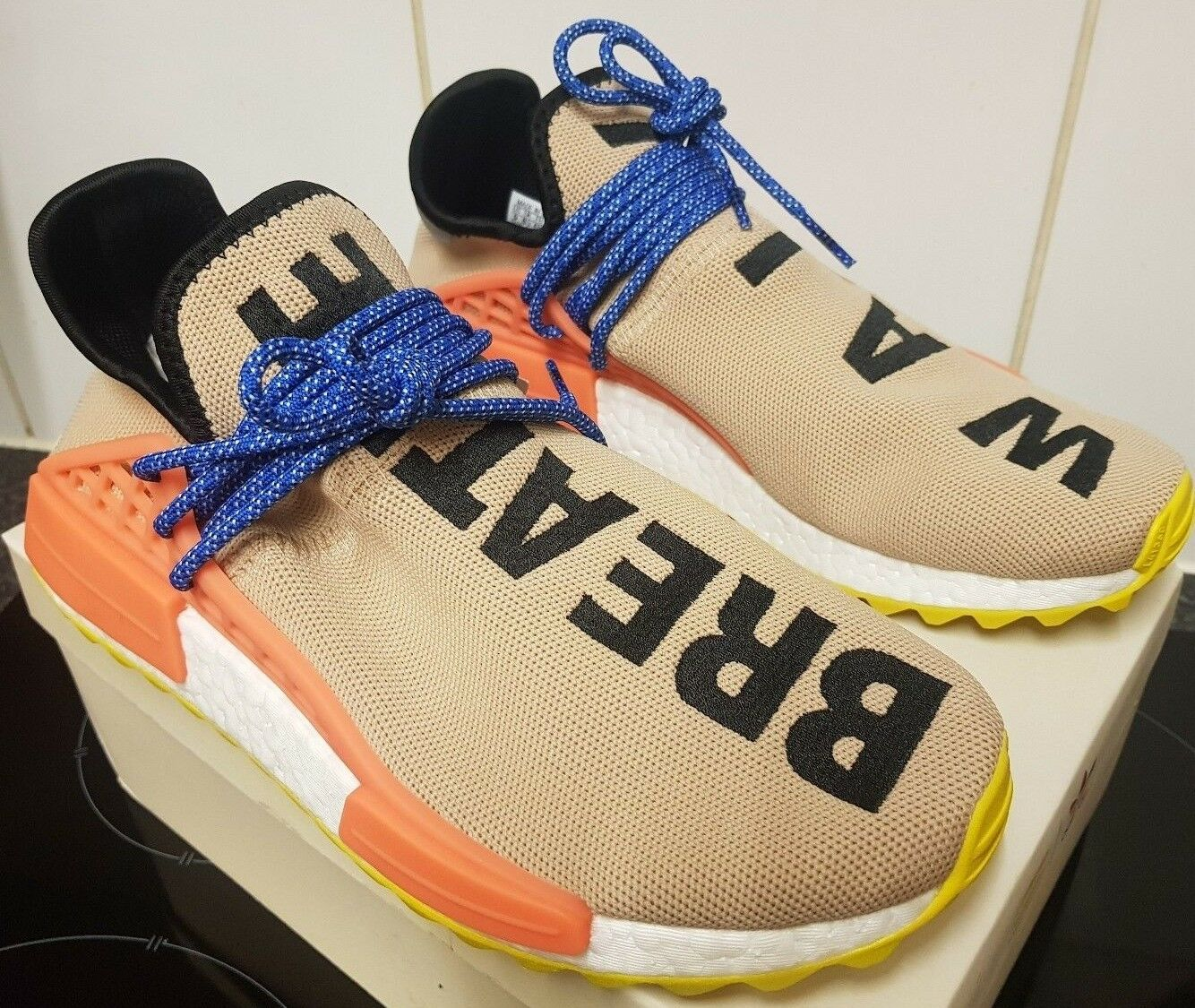 Adidas Pharrell Williams Williams Pharrell Razza Umana Hu Nmd Tracce Pallido Nudi 10 f2249f