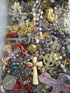 ESTATE-VINTAGE-NOW-RELIGIOUS-CATHOLIC-JEWELRY-LOT-MEDALS-ROSARY-CROSS-10-Pcs