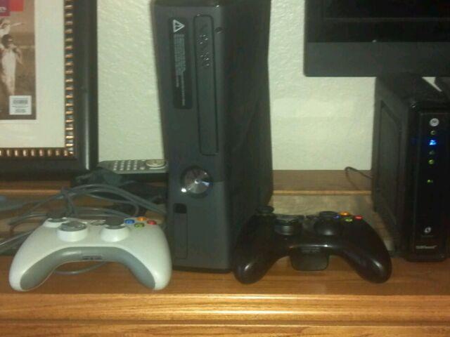 Microsoft Xbox 360 S 4 GB Matte Black Console (NTSC)